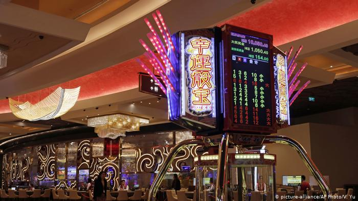 Crucial Guidelines For Casino Betting Online - Gambling